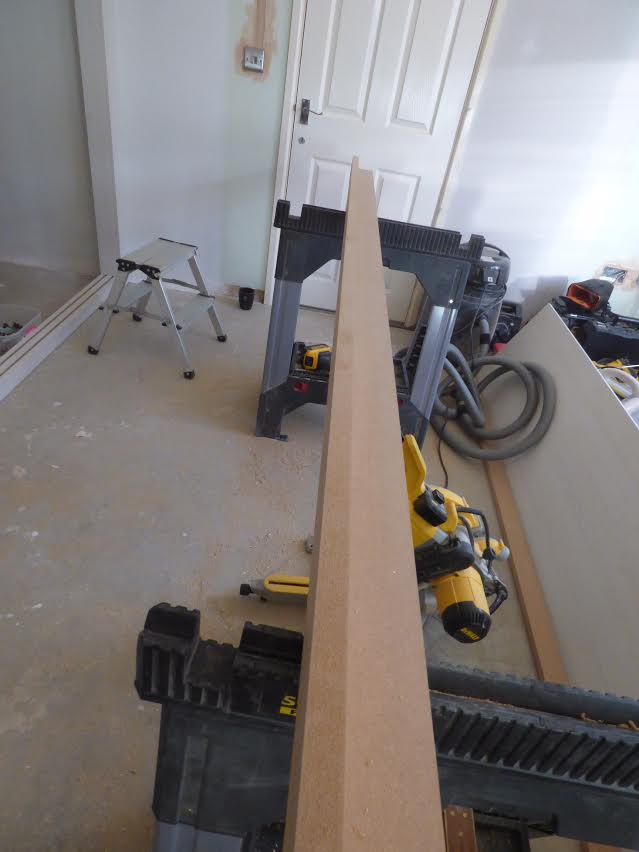 Fix the top rail batten together
